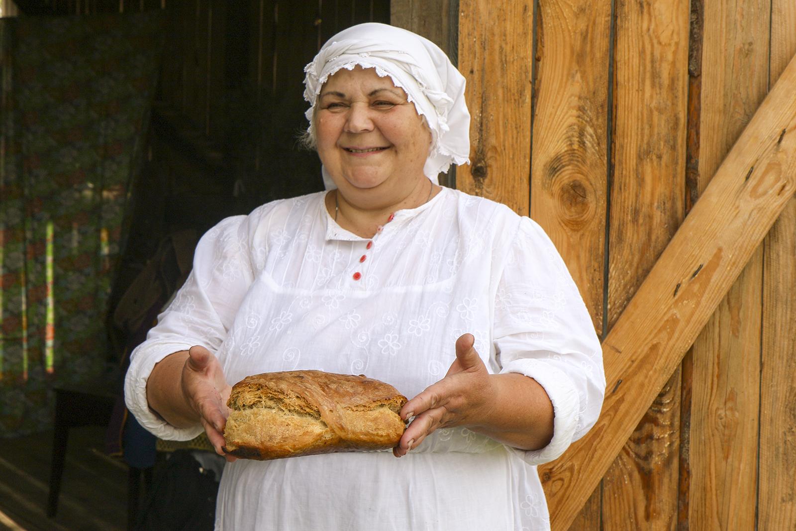 Ірына-і-хлебфота-А.Мікус